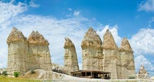 Liefdevallei in Cappadocia, Anatolië, Turkije Vulkanische bergen stock fotografie