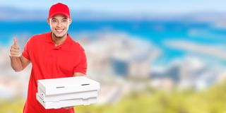 Liefern der lateinische Mannauftrag der Pizzalieferung, der das erfolgreiche Lächeln des Joberfolgs liefert, Fahne copyspace Kopi stockbilder