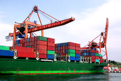 Lieferung in den Docks Lizenzfreies Stockfoto