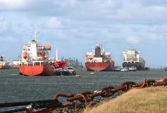 Lieferungen im Rotterdam-Hafen stockfotografie