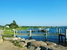 Liegeplatz für Boote in der Bucht Stockfotografie