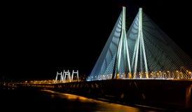 Lien de mer de Mumbai la nuit Photographie stock libre de droits