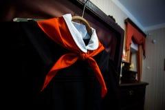 Lien pionnier rouge soviétique sur l'uniforme scolaire photo libre de droits