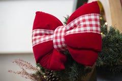 Lien rouge décoratif de Noël Images stock