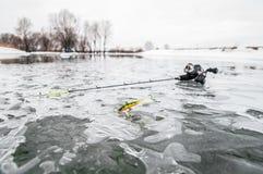 lies russia transbaikalia för fiskfiskeis bara blockerade vinter arkivfoto