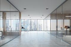 Lieu blanc et en bois de l'espace ouvert et de réunion Photographie stock