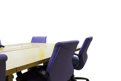 Lieu de réunion d'isolement avec la table en bois, intérieur de bureau Image libre de droits