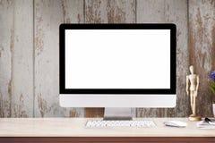 Lieu de travail avec l'ordinateur de bureau moderne Image stock