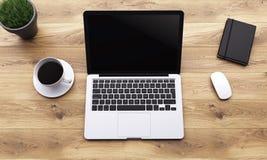 Lieu de travail avec l'ordinateur portable Images stock
