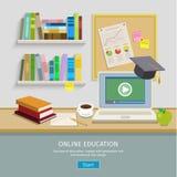 Lieu de travail avec l'ordinateur pour l'éducation en ligne Images stock