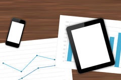 Lieu de travail avec les dispositifs de Digital et la feuille financière Photographie stock libre de droits