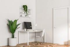 Lieu de travail blanc d'ordinateur de siège social illustration de vecteur