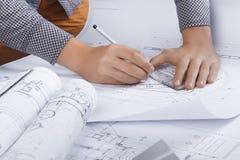Lieu de travail d'ingénieur/architecte images libres de droits