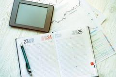 Lieu de travail dans le bureau, carnet avec l'espace pour le texte Photo libre de droits