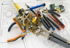 Lieu de travail pour l'appareil électronique de réparation Photo stock