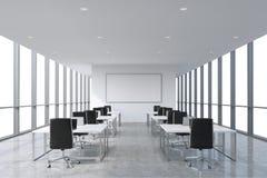 Lieux de travail d'entreprise symétriques équipés par les ordinateurs portables modernes dans un bureau panoramique moderne, l'es illustration stock