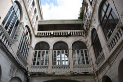 Lieux publics Vieux bâtiment dans la petite allée, Bangkok Thaïlande Photos stock