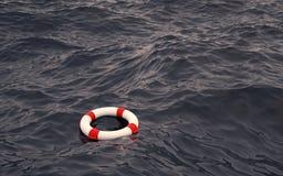 Lifebelt i havet Fotografering för Bildbyråer