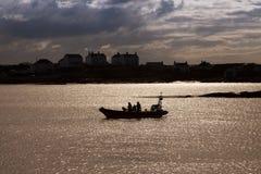 Lifeboat залива Trearddur inshore стоковые изображения