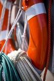 Lifebuoy和安全绳索 免版税图库摄影