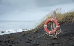 lifebuoy的海滩 库存图片