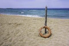 lifebuoy的海滩 库存照片