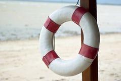 Lifebuoy à la plage Image libre de droits