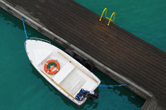 Lifebuoy, βοήθεια έκτακτης ανάγκης Ασφαλές υπόλοιπο στο νερό Στοκ Εικόνα
