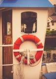 Lifebuoy на яхте стоковая фотография