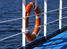 Lifebuoy et mer Photographie stock