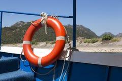 Lifebuoy na pokładzie łodzi Obrazy Royalty Free