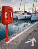 Lifebuoy no recipiente vermelho Fotos de Stock