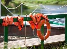 Lifebuoy przy cumowaniem Obraz Stock