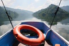 Lifebuoy sur le bateau Photographie stock libre de droits