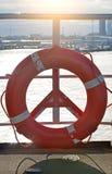 Lifebuoy vermelho Imagem de Stock Royalty Free