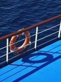 Lifebuoy y mar 2 Imágenes de archivo libres de regalías