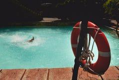 Lifebuoy z foots sterczenie od wate Zdjęcie Stock