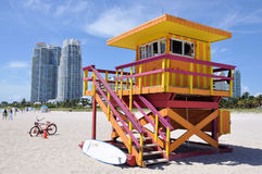 Lifegard kabin på Miami Beach Arkivbild
