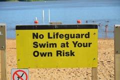 Lifeguard όχι στην υπηρεσία Στοκ Φωτογραφία