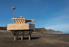 Free Lifeguard Tower At Bethells Beach Stock Photos - 58953273
