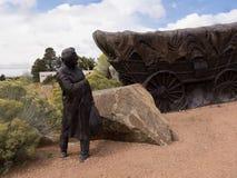Lifesize skulptur på slutet av Santa Fe Wagon Train Trail i USA Royaltyfria Bilder