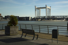 Liftbrug over Oude Maas Rivier, Nederland stock afbeelding