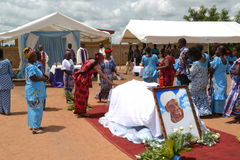 LIFTING AND BURIAL OF THE MOTHER OF ACTING CHAIRMAN OF THE POPULAR FRONT IVOIRIAN, PARTY OF PRESIDENT LAURENT GBAGBO Stock Photography