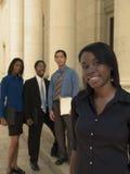 Ligação da equipe da mulher de negócios Imagem de Stock Royalty Free