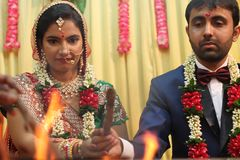 Ligação de Speritual - Índia do casamento Fotografia de Stock Royalty Free