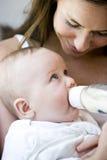 Ligação do Special entre a matriz e o bebê Foto de Stock