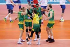 Liga Austrália das nações do voleibol de FIVB contra Rússia foto de stock royalty free