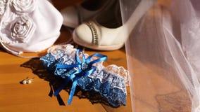 Liga azul de la boda con el cordón blanco almacen de video