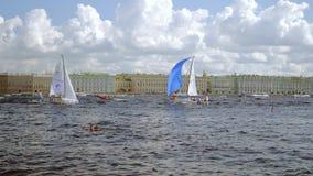 Liga navegante internacional de los campeones, competencia que navega en St Petersburg almacen de video