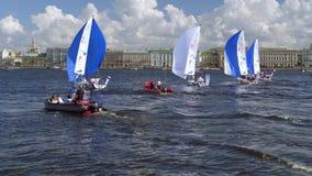 Liga navegante internacional de los campeones, competencia que navega en St Petersburg almacen de metraje de vídeo